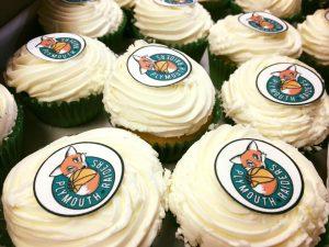 raiders cupcakes
